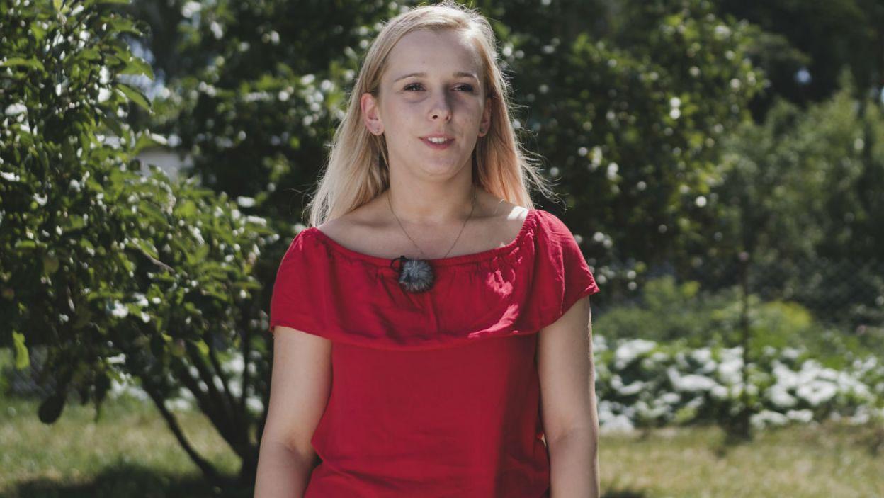 – Na swój ślub ubrałabym się w białą suknię z trenem, długi welon... – Ewelina wcale nie wyklucza ślubnych planów... (fot. TVP)