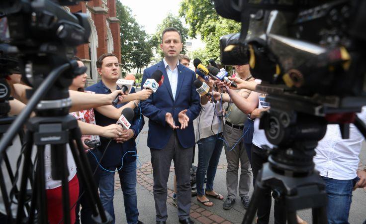 Prezes PSL Władysław Kosiniak-Kamysz podczas konferencji prasowej, fot. PAP/Stanisław Rozpędzik