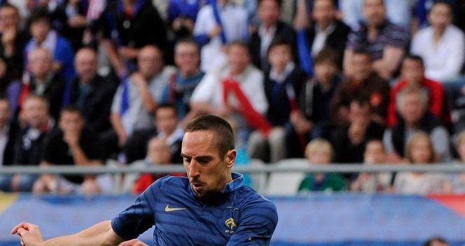 Franck Ribery zdobywa pierwszą bramkę (fot. PAP/EPA)
