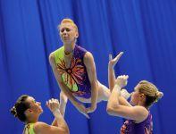 Brytyjskie gimnastyczki w finałowej rundzie trójek kobiet (fot.PAP/Grzegorz Hawałej)