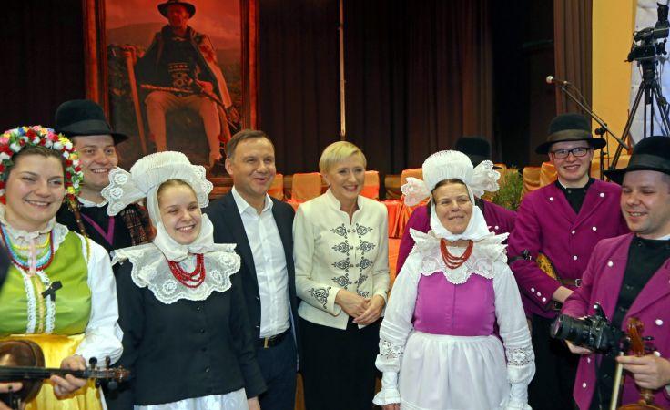 Prezydent Andrzej Duda z żoną Agatą Kornhauser-Dudą  wziął udział w koncercie