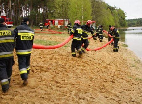 Ćwiczenia Straży Pożarnej na poligonie w Wędrzynie