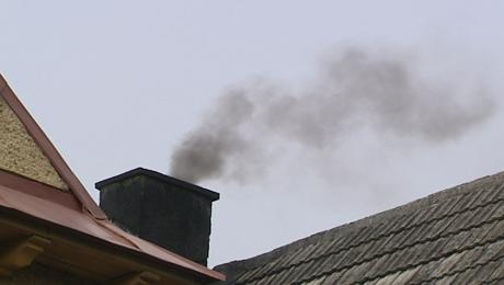Przekroczenia norm pyłu zawieszonego PM 10 występują głównie w okresie grzewczym