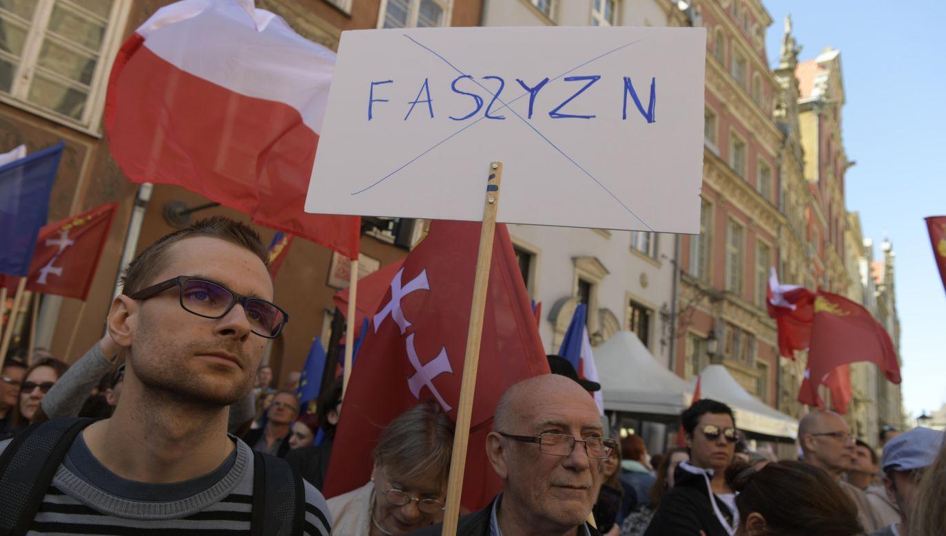 Manifestacja stała się jednak miejscem, gdzie szerzona była nienawiść (fot. PAP/Adam Warżawa)