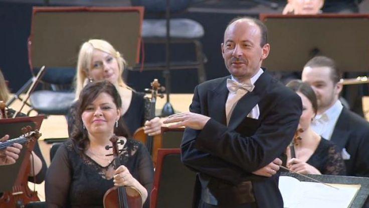 Piotr Sułkowski będzie szefem filharmonii do grudnia 2022 roku.