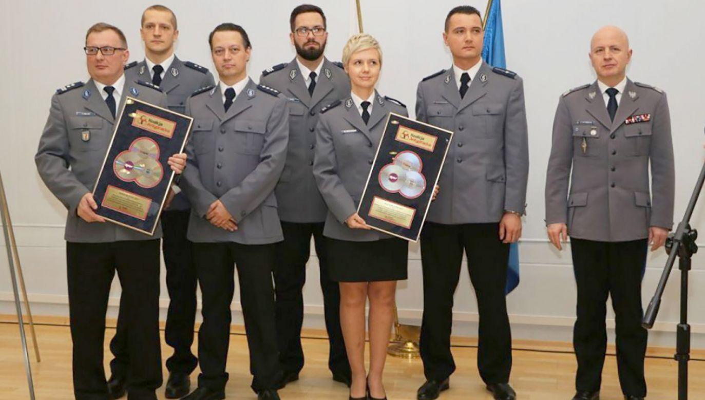 """Nagrody """"Złote Blachy"""" po raz 18. przyznała policjantom Koalicja Antypiracka (fot. policja.pl)"""