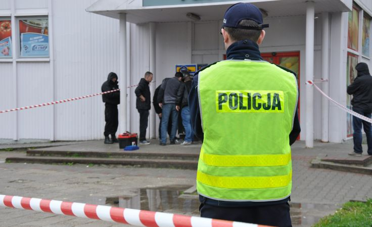 Zarzuty i areszty wobec podejrzanych o usiłowania włamań do bankomatów.