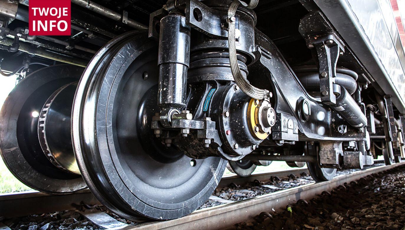 Nastolatek zginął pod kołami pociągu towarowego (fot. Shutterstock/Catwalk Photos)