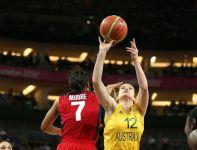 W meczu Amerykanek z Australijkami nie brakowało emocjonujących akcji (fot.Getty Images)