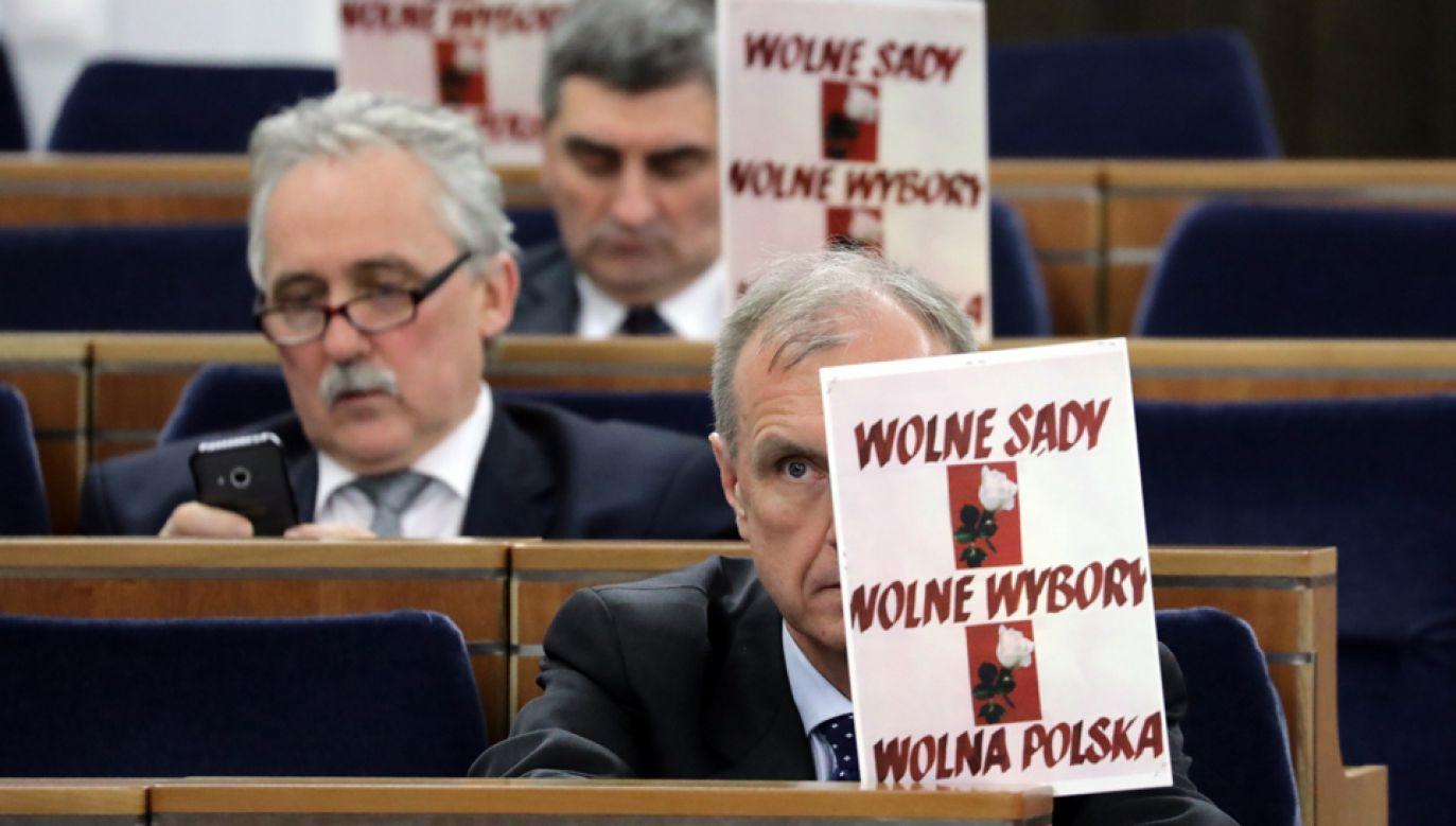 enatorowie zajmą się m.in. ustawą o Krajowej Radzie Sądownictwa i o Sądzie Najwyższym. (nlat) PAP/Tomasz Gzell