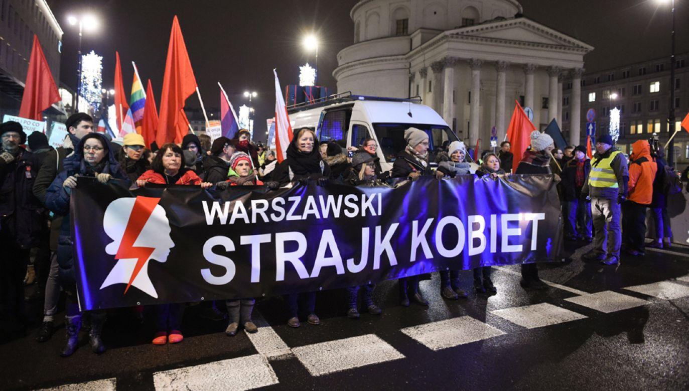 Czarna Środa - protest zorganizowany przez Ogólnopolski Strajk Kobiet (fot.  PAP/Radek Pietruszka)