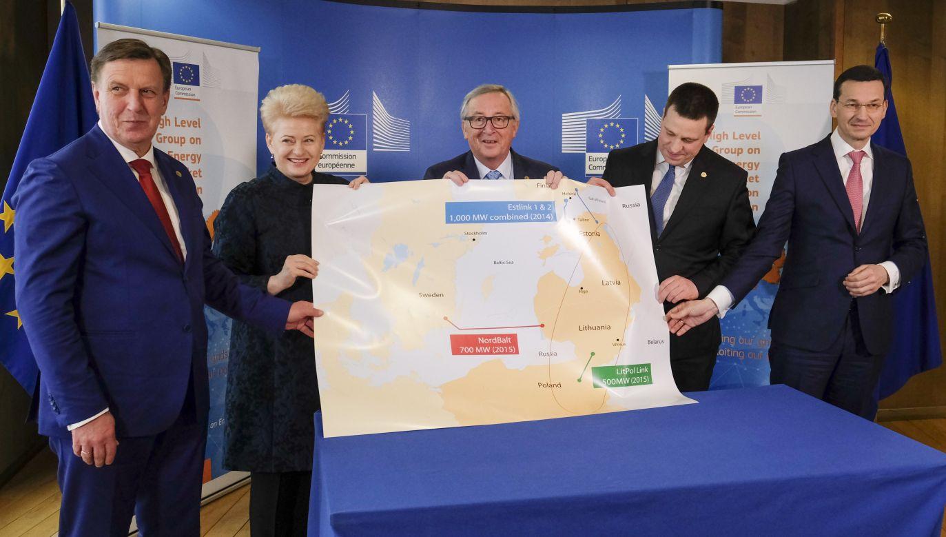 Spotkanie przewodniczącego Komisji Europejskiej Jean-Claude'a Junckera z premierem Mateuszem Morawieckim i przywódcami państw bałtyckich (fot. PAP/EPA/OLIVIER HOSLET)
