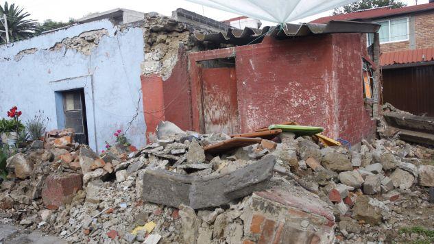 Wstrząsy były odczuwalne w stolicy Meksyku, która poważnie ucierpiała we wtorkowych wstrząsach (fot. PAP/EPA/SASHENKA GUTIERREZ)