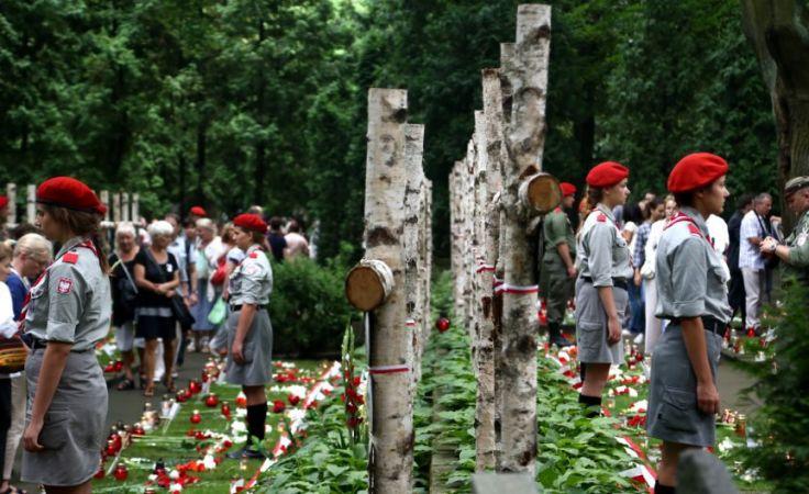 Uroczystości przed pomnikiem Gloria Victis/ Fot. PAP