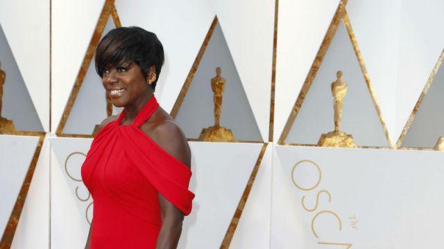 """Wielkie emocje w Dolby Theatre w Hollywood.   """"Moonlight"""" z Oscarem dla najlepszego filmu"""