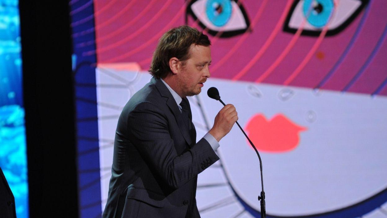 Jan Holoubek, reżyser i operator, zwykle staje po drugiej stronie kamery. Artysta odebrał nagrodę za zdjęcia w spektaklu Teatru TV (fot. N. Młudzik/TVP)