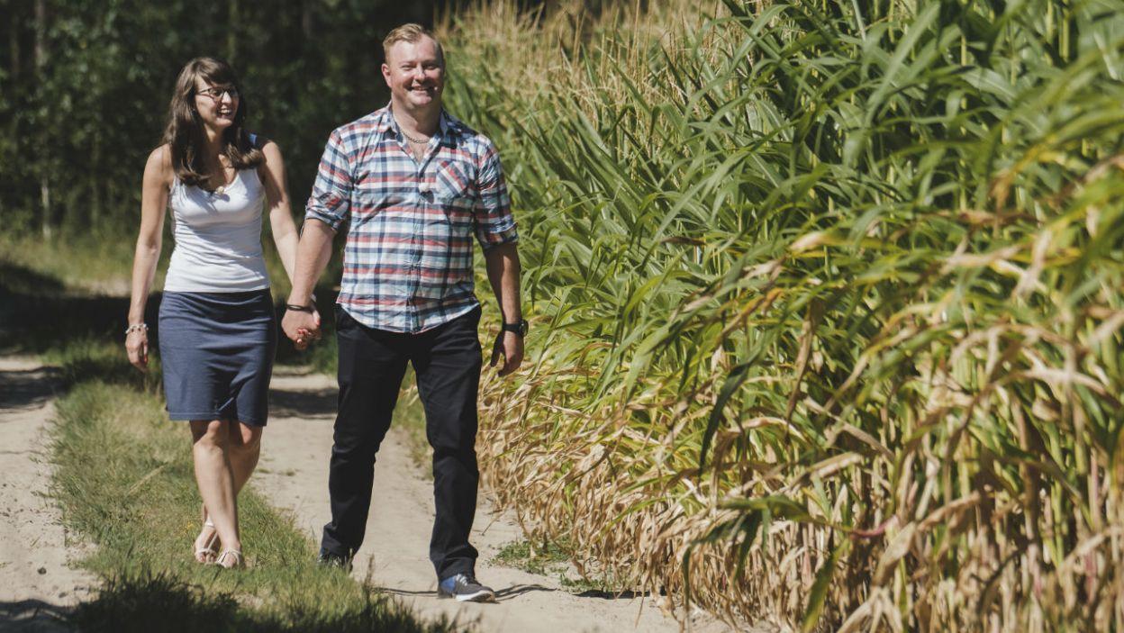 Wycieczka na pole kukurydzy to nie był zwykły spacer. To tu Łukasz otrzymał listy (fot. TVP)