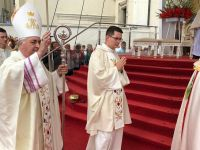 Tłumy pielgrzymów na Jasnej Górze. Nuncjusz przewodniczy sumie pontyfikalnej