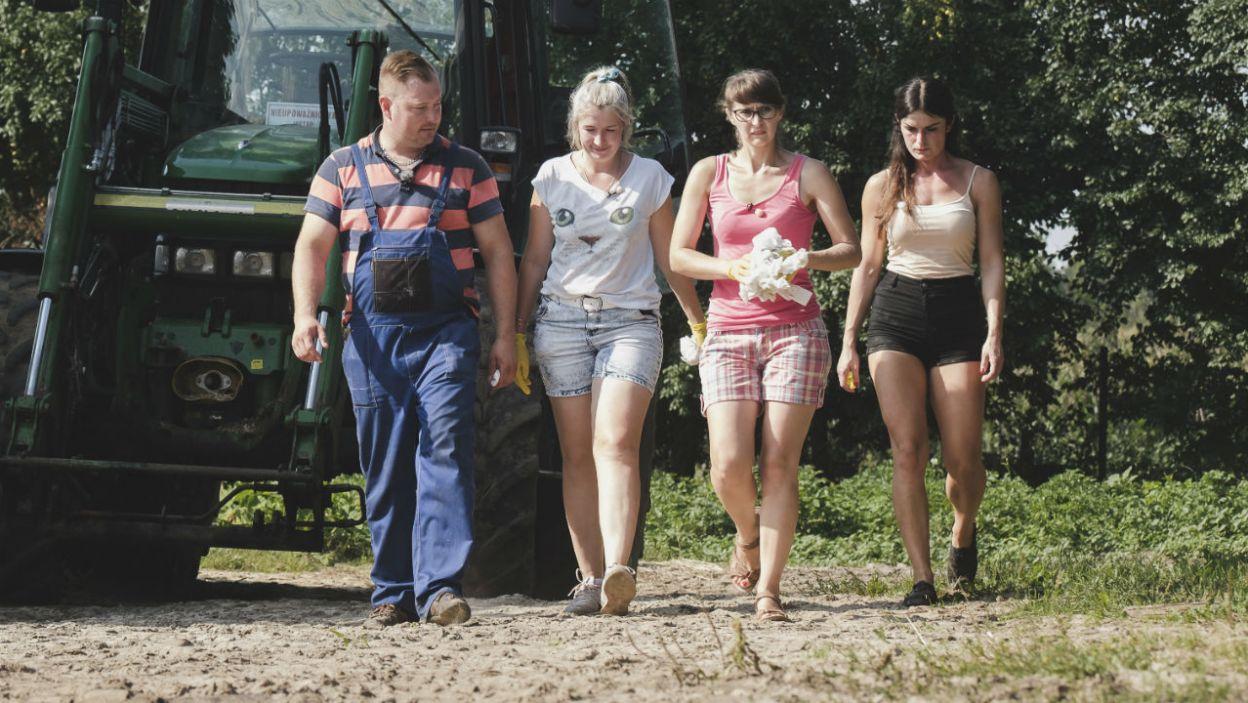 – Chciałbym zaprosić na żniwa Paulinę, a dziewczyny zrobią obiad, ok? – zadecydował rolnik (fot. TVP)