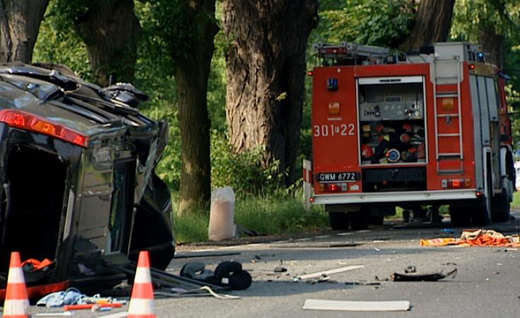 Tragiczny wypadek 3 aut. 8 rannych, 1 ofiara śmiertelna
