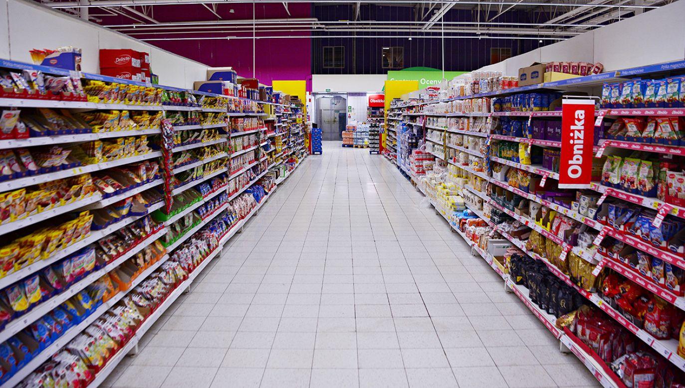Kazali choremu biegać po sklepie, wmawiając mu, że dostał pracę. (fot. Shutterstock/Grand Warszawski)