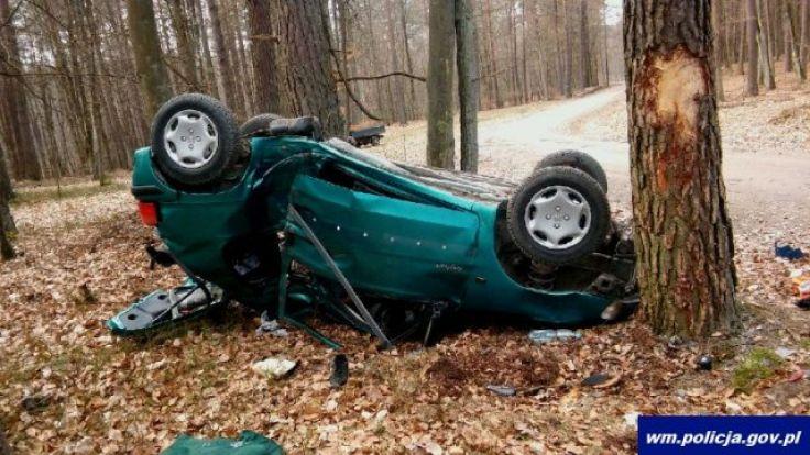 Kierowcę z obrażeniami ciała przetransportowano do szpitala