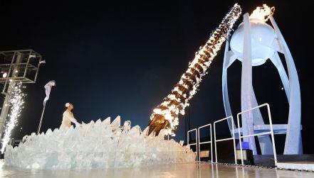Ceremonia otwarcia: zapalenie znicza olimpijskiego