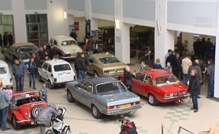 Wystawa zabytkowych aut w Toruniu