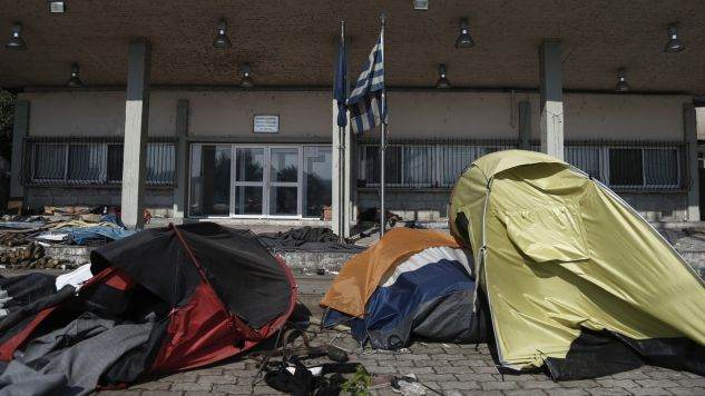 Około 4 tys. uchodźców opuściło obóz na własną rękę (fot. PAP/EPA/YANNIS KOLESIDIS)