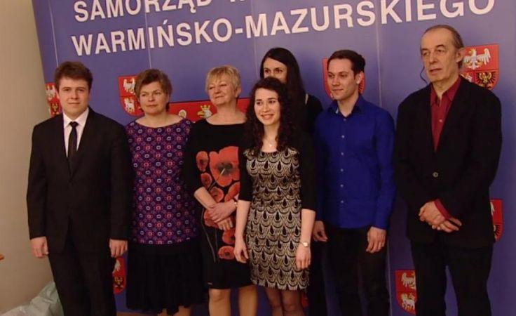 Marszałek województwa wręczył stypendia artystyczne.