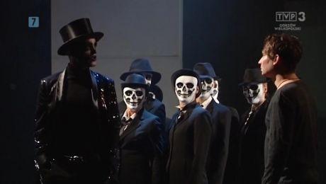 """16.11.2017, Wystawa prac Waldemara Kućki. """"Hamlet"""" w reżyserii Błażeja Peszka rozpoczął Gorzowskie Spotkania Teatralne"""