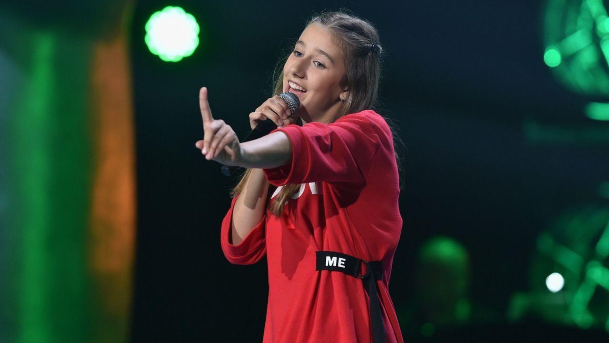 """Alicja Dziurdziak rozpoczyna swoją karierę podobnie jak Sylwia Grzeszczak. Czy piosenka artystki """"Pożyczony"""" przyniesie jej szczęście? (fot. I. Sobieszczuk/TVP)"""