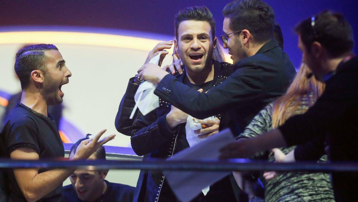 """Do trzech razy sztuka – Hovig z Cypru do Eurowizji podchodził już trzy razy. W tym roku się udało. Jego """"Gravity"""" usłyszymy w finałowej rywalizacji  (fot. PAP)"""