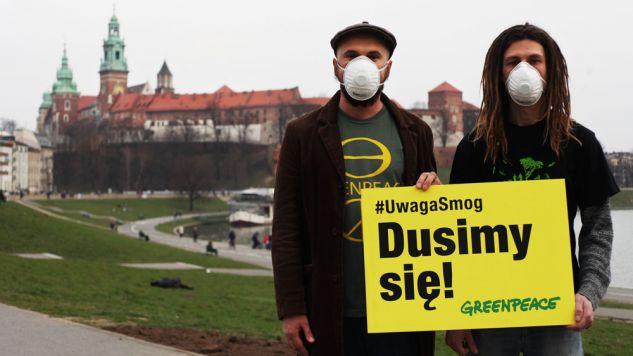 Z szacunków epidemiologów wynika, że z powodu zanieczyszczenia powietrza pyłem zawieszonym w Krakowie umiera rocznie kilkaset osób (fot. flickr.com/ Greenpeace Polska)