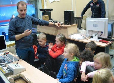 Przedszkolaki i uczniowie z wizytą w TVP OLSZTYN