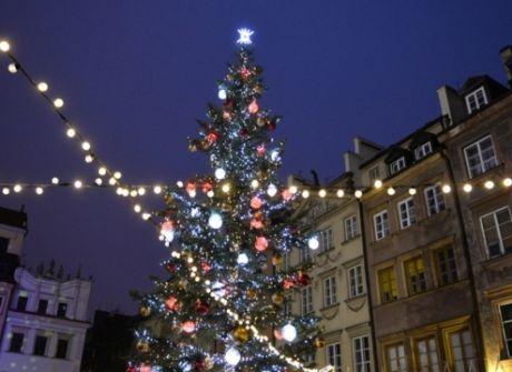 Warszawa lśni świątecznie