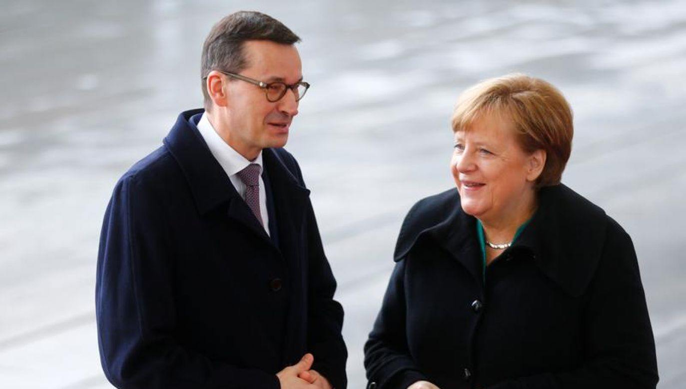 Angela Merkel i Mateusz Morawiecki spotkali się po raz ostatni miesiąc temu w Berlinie (fot. REUTERS/Hannibal Hanschke)