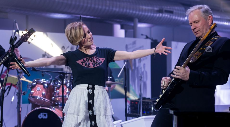 W programie musiała ocenić dwoje aspirujących artystów (fot. Jan Bogacz/TVP)