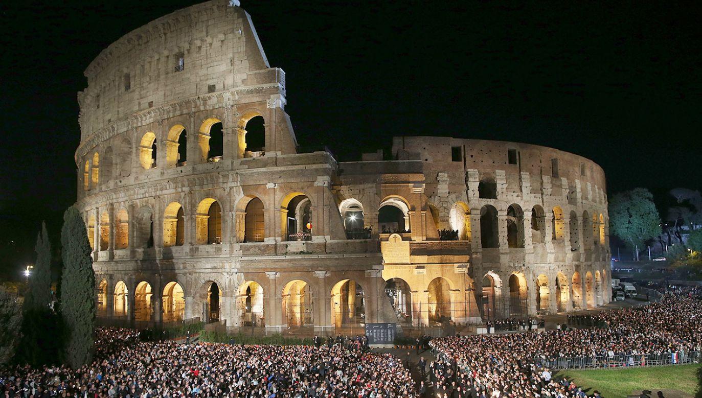 Akcję oświetlania miejsc w Rzymie związanych z prześladowaniami chrześcijan rozpoczęła w kwietniu 2016 (fot. Franco Origlia/Getty Images)