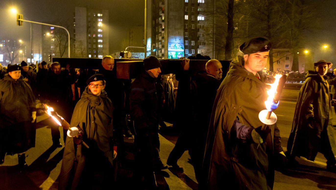 Ekstremalna Droga Krzyżowa cieszy się coraz większą popularnością (fot. PAP/Andrzej Grygiel)