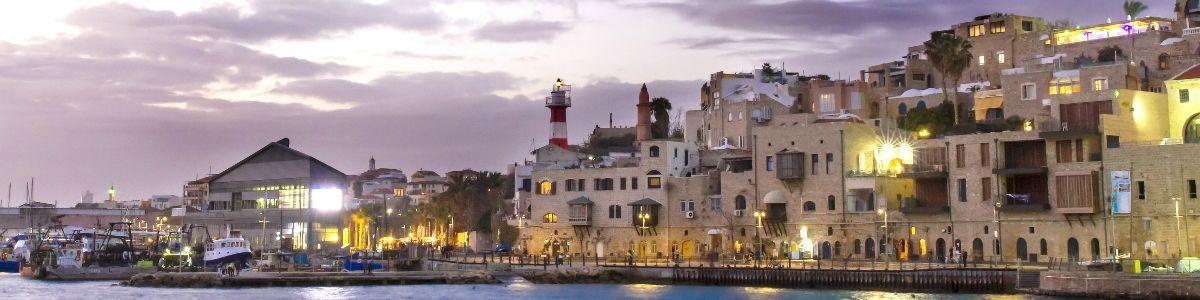 W cieniu starego portu