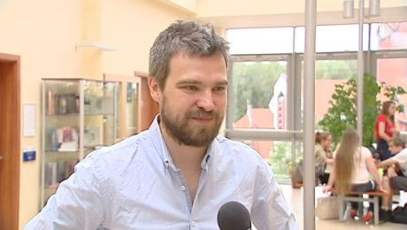 Popularny pisarz gościł na olsztyńskiej uczelni