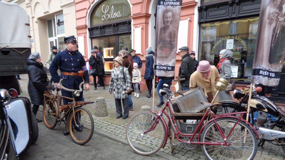 Święto Niepodległości na ul. Gdańskiej w Bydgoszczy (fot. Bogdan Szwarczewski)