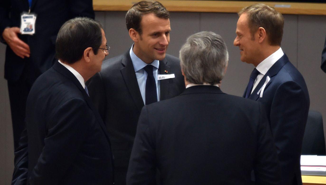 Prezydent Francji Emmanuel Macron jest gotowy wyrzucić z kraju rosyjskich dyplomatów (fot. PAP/EPA/ERIC VIDAL / POOL)