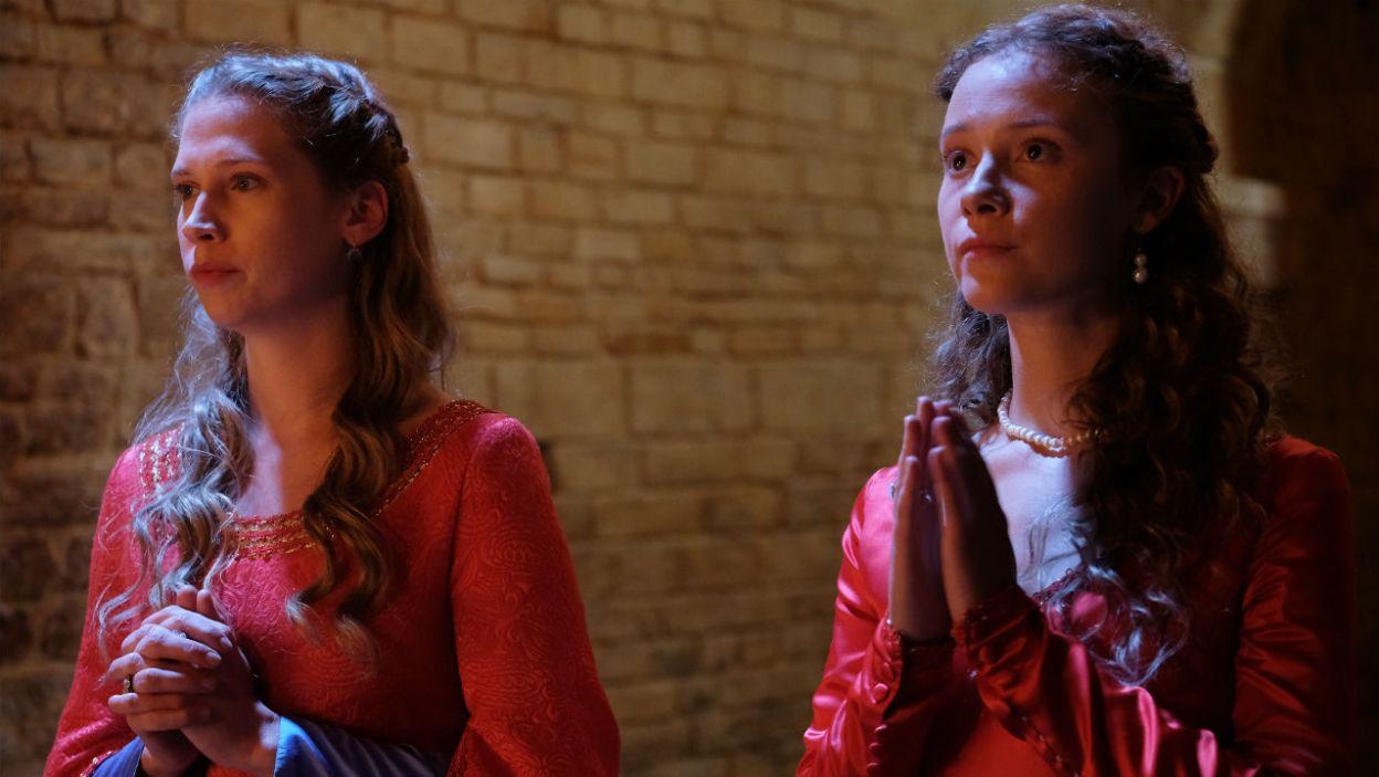– Jeśli wolą ojca będzie mój ślub z księciem, tak się stanie – uznaje Elżbietka (fot. TVP)