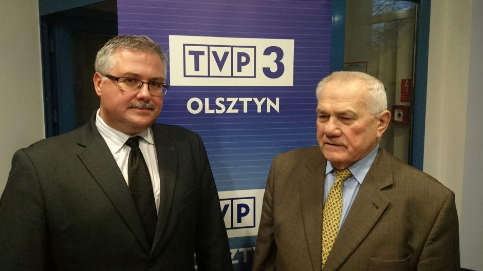 Dr Waldemar Brenda, naczelnik delegatury Instytutu Pamięci Narodowej w Olsztynie i Zygmunt Skotnicki, sekretarz generalny Związku Sybiraków