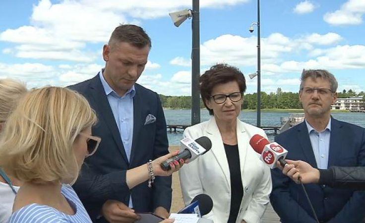 Posłowie PO zorganizowali konferencję nad jeziorem Ukiel