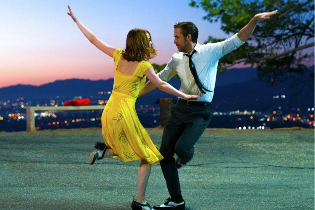 """""""La La Land"""" – dzieło 32-letniego amerykańskiego reżysera Damiena Chazelle zostało nominowane do nagród Amerykańskiej Akademii Sztuki i Wiedzy Filmowej w 14 kategoriach (fot. mat. prom.)"""
