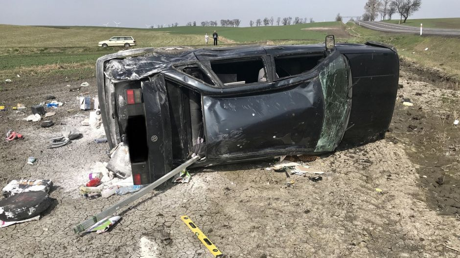 Kierowca tego auta miał sporo szczęścia