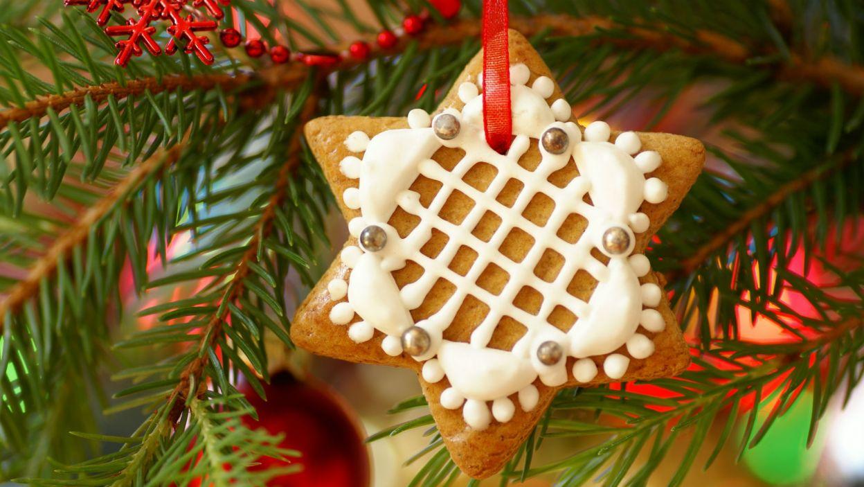 Palce lizać! Zaskocz gości i zaproś ich na pierniki prosto z drzewka (Fot. Shutterstock)